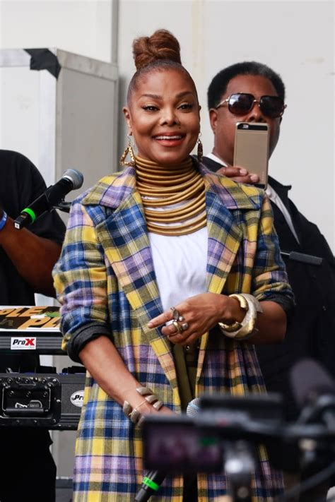 Janet Jackson Shows Off Her NEW FACE