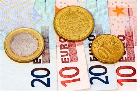 Euro coins and bills - Our money: The website of the euro