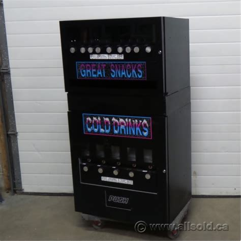 Seaga Coin Operated Snack and Drink Combo Vending Machine